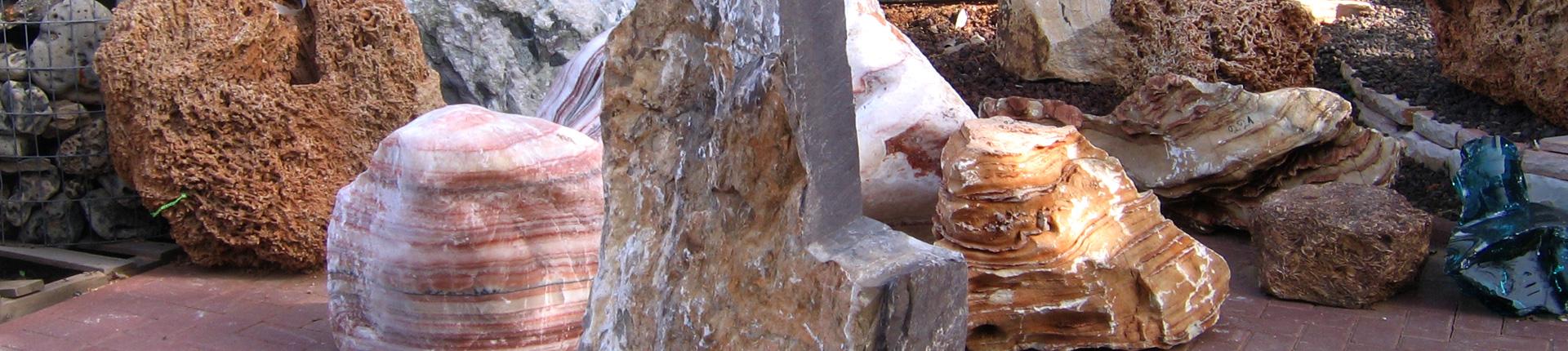מצבות מסלע זכוכית סלעים.קום