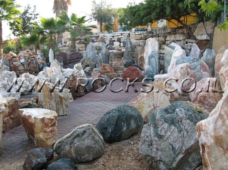 סלעים לגינה