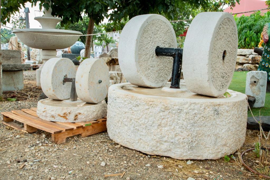 אבני ריחיים אבן ריחיים אבני טחינה שמן זית אבן כתישה ים ממל