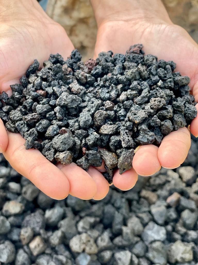 בלה טוף שחור גרוס מחיר כפר הסלעים