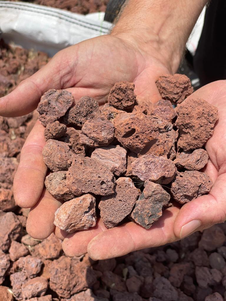 טוף אדום 4 20 אבנים לשביל בגינה אוברסייז