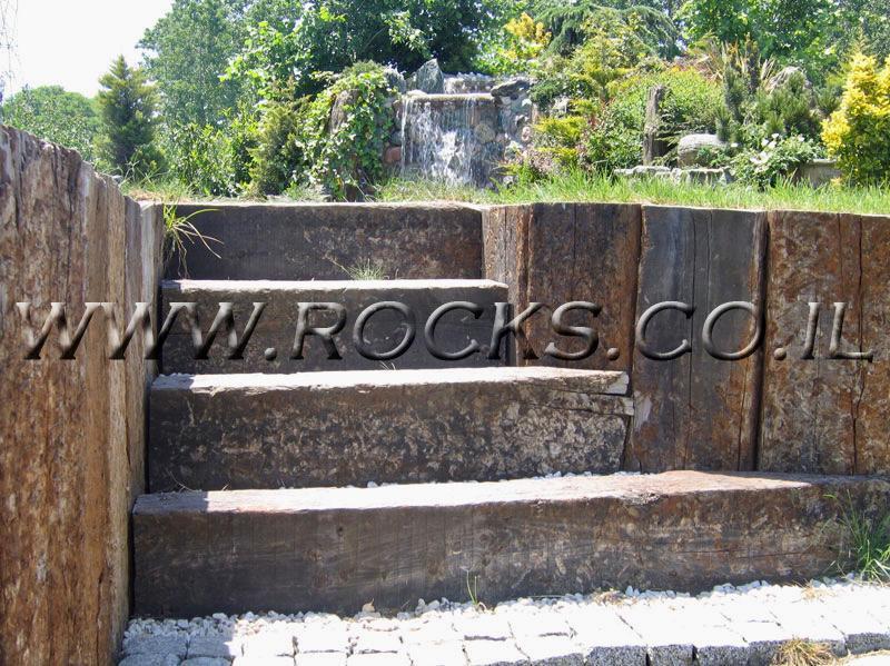 קיר-מאדני-רכבת-ומדרגות